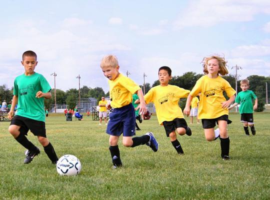 Stijgende lidgelden sportclubs: minister Muyters plant overleg